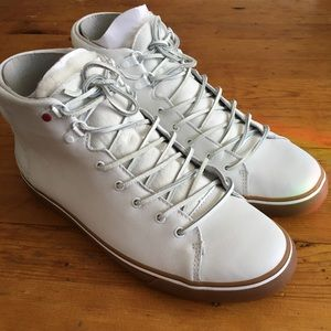 Ugg white M Hoyt Luxe men's boots.